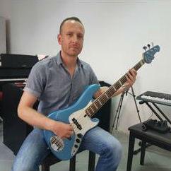 Bas gitara LOOP glazbena klinika